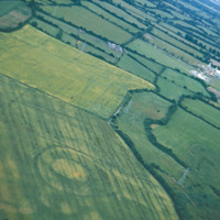 http://www.discoveryprogramme.ie/images/Aerial_Archives_Images/temp3/LS_AS_35CT_00028_01m copy.jpg