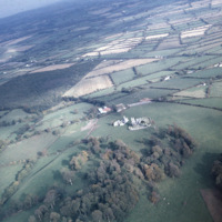 http://www.discoveryprogramme.ie/images/Aerial_Archives_Images/temp3/LS_AS_35CT_00068_05 copy.jpg