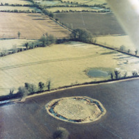 http://www.discoveryprogramme.ie/images/Aerial_Archives_Images/temp3/LS_AS_35CN_00008_05 copy.jpg
