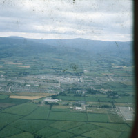http://www.discoveryprogramme.ie/images/Aerial_Archives_Images/temp3/LS_AS_35CT_00062_02m copy.jpg