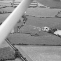 http://www.discoveryprogramme.ie/images/Aerial_Archives_Images/temp3/LS_AS_35BWN_00083_27 copy.jpg