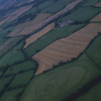 http://www.discoveryprogramme.ie/images/Aerial_Archives_Images/temp3/LS_AS_35CT_00009_09 copy.jpg