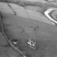 http://www.discoveryprogramme.ie/images/Aerial_Archives_Images/temp/LS_AS_35BWN_00011_25 copy.jpg