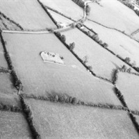 http://www.discoveryprogramme.ie/images/Aerial_Archives_Images/temp/LS_AS_35BWN_00106_47 copy.jpg