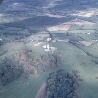 http://www.discoveryprogramme.ie/images/Aerial_Archives_Images/temp3/LS_AS_35CT_00068_04 copy.jpg