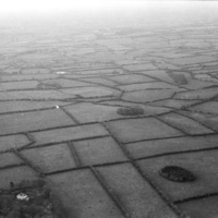 http://www.discoveryprogramme.ie/images/Aerial_Archives_Images/temp/LS_AS_35BWN_00011_33 copy.jpg