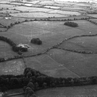 http://www.discoveryprogramme.ie/images/Aerial_Archives_Images/temp2/LS_AS_35BWN_00079_25 copy.jpg