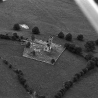 http://www.discoveryprogramme.ie/images/Aerial_Archives_Images/temp/LS_AS_35BWN_00110_09 copy.jpg