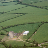 http://www.discoveryprogramme.ie/images/Aerial_Archives_Images/temp3/LS_AS_35CT_00008_03m copy.jpg