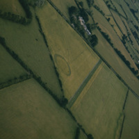 http://www.discoveryprogramme.ie/images/Aerial_Archives_Images/temp3/LS_AS_35CT_00028_05m copy.jpg